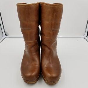 Ugg Woman's Lynnea Wooden Clog Boots